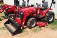 Massey Ferguson – 1526 Loader with belly mower