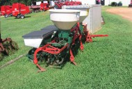 Used 2 row planter / cultivator with fertilizer hopper